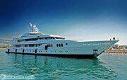 Yacht-Trident-in-Cannes-Photography-by-Ric-Pilguj